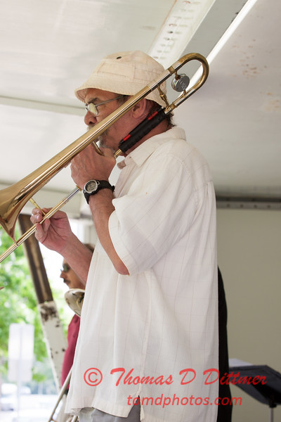 11 - 2015 Lunchtime Concerts - Prairieland Dixie Band - Withers Park - Bloomington Illinois