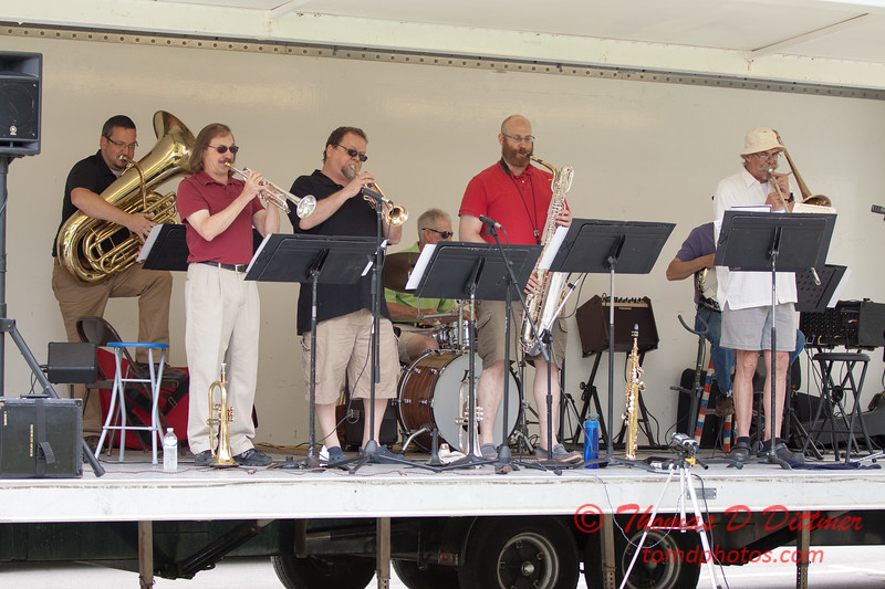 39 - 2015 Lunchtime Concerts - Prairieland Dixie Band - Withers Park - Bloomington Illinois