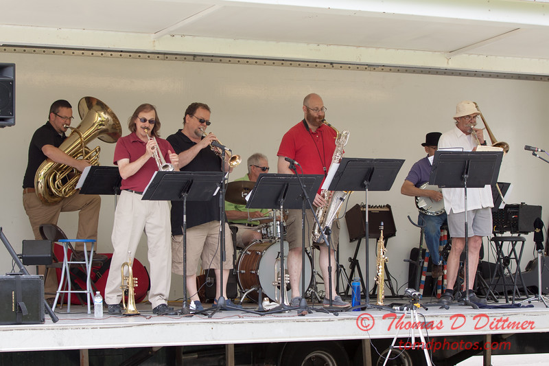 38 - 2015 Lunchtime Concerts - Prairieland Dixie Band - Withers Park - Bloomington Illinois