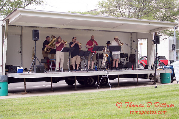 6 - 2015 Lunchtime Concerts - Prairieland Dixie Band - Withers Park - Bloomington Illinois