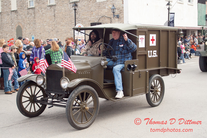 112 - 2014 Veterans Day Parade and Air Show - Utica Illinois