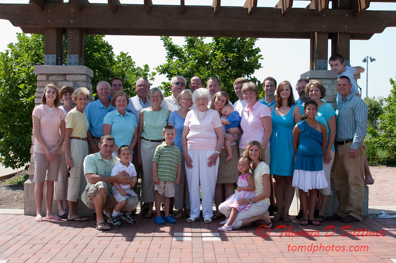 2010 - Janet Powell & Family - McGraw Park - Bloomington Illinois - Saturday August 7 - 44