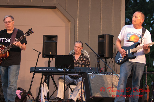 Marc Boon and the Unknown Legends performing