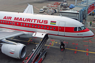 3B-NBF A319-200 Air Mauritius (Flew on MK852 JNB-MAU)