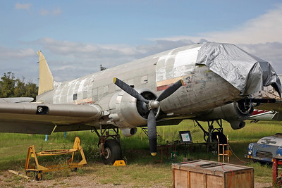 VH-MMD C-47B (ex Travmar colours just visible)