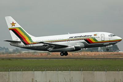 Z-WPA B737-200 Air Zimbabwe