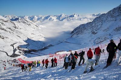 Skiing in Sölden - Oct 25, 2009