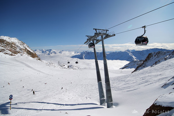 Skiing and watching World Cup races in Sölden