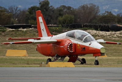 (VH-BZX)/389 SIAI S-211 ex Singapore AF 130Sq (Registered to Royston Ferris on 9/3/10)