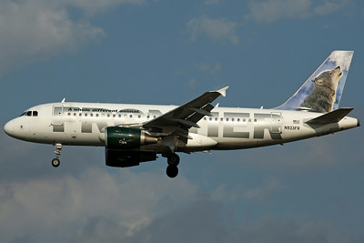 N933FR A319-100 Frontier Airlines ('Wally the Gray Wolf' tail logo)