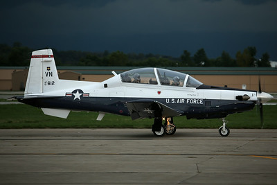 01-3612/VN T-6A USAF 8FTS/71FTW 'Eight Ballers' (Departing after the Kansas City Airshow)