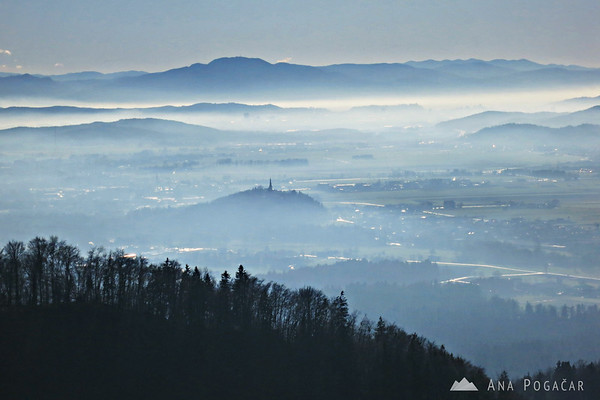 Fog to the south, towards Ljubljana