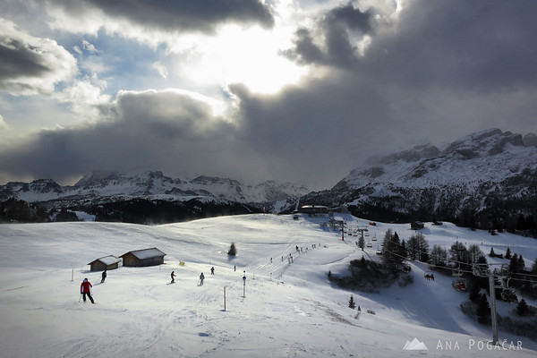 Skiing in Alta Badia in ominous weather