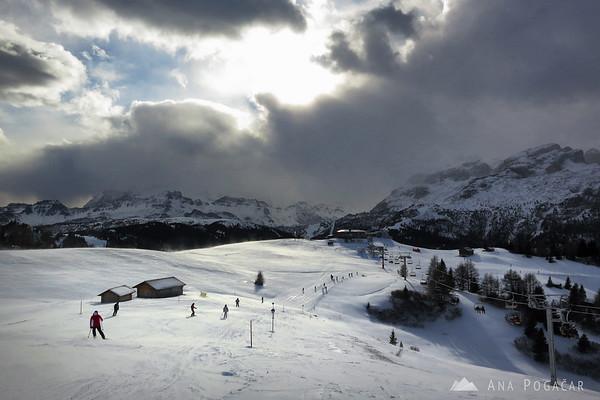 Skiing in Alta Badia in ominous weather