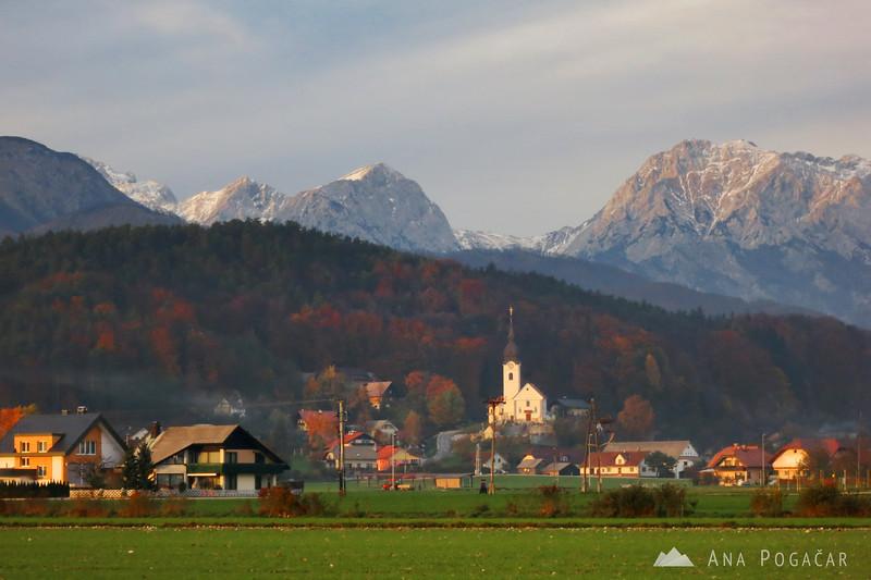 Podgorje village and the Kamnik Alps.