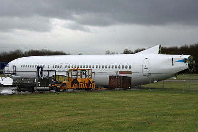 N858WL B737-400 Willis Lease Finance Corp. Ex KLM PH-BDW, arrived on 16/11/11 for scrapping. Bruntingthorpe 22/4/12.