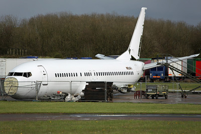 N530WL B737-400 Willis Lease Finance Corp. Ex KLM PH-BDT, arrived on 4/10/11 for scrapping. Bruntingthorpe 22/4/12.