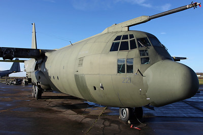XV221 C-130 C.3P RAF (Arrived on 29/7/11 for stripping. Fuselage later moved to Air & Ground at Hixon on 20/3/13 for later auction)