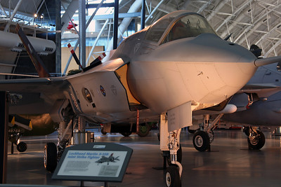 301 F-35B (PAV-1) Lockheed Martin. Prototype X-35A first flown on 24/10/00, before conversion to X-35B and first flown on 23/6/01.
