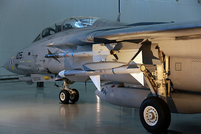 159610/NK-105 F-14D(R) US Navy VF-31 'Tomcatters'. Shot down a Libyan AF Mig-23 during the Gulf of Sidra incident in 1989.