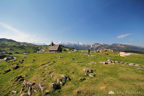 Anton and Ana shooting video on Velika planina