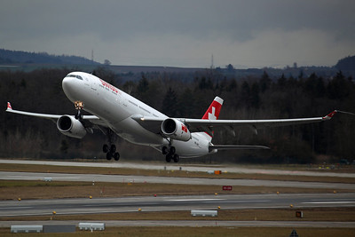 HB-JHD A330-300 Swiss International