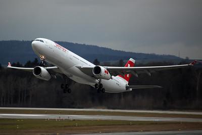 HB-JHD A330-300 Swiss International