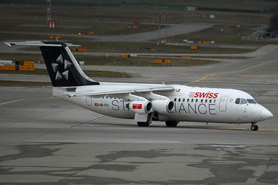 HB-IYU BAe RJ-100 Swiss International ('Star Alliance' colours)