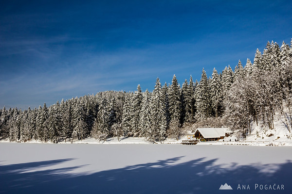 Frozen Mangart Lake (Belopeška jezera)