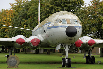 XK699 Comet C2 RAF 216Sq. Gate Guard at Lyneham since 1987, was then scrapped in mid-November, with the forward fuselage taken to the BDAC Museum at Old Sarum for display.