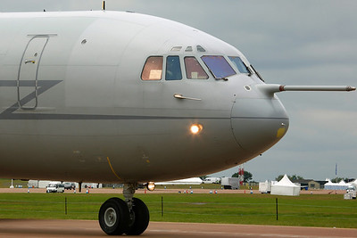 XV101/S VC-10 C1K RAF 101Sq. Departing RIAT Fairford 2008, with 'For Sale, One Careful Owner' sign in the window!