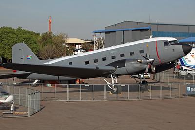 6885 C-47TP SAAF 35Sq (Ysterplaat AFB)