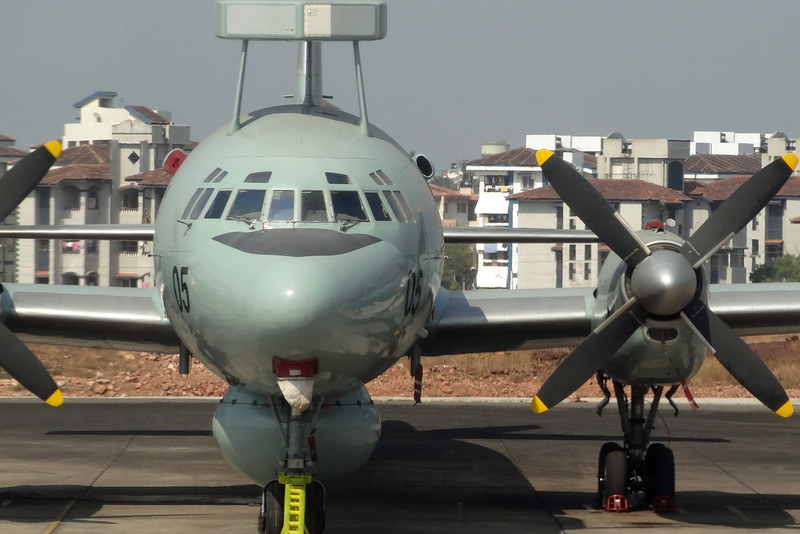 IN305/DAB IL-38SD Indian Navy INAS315