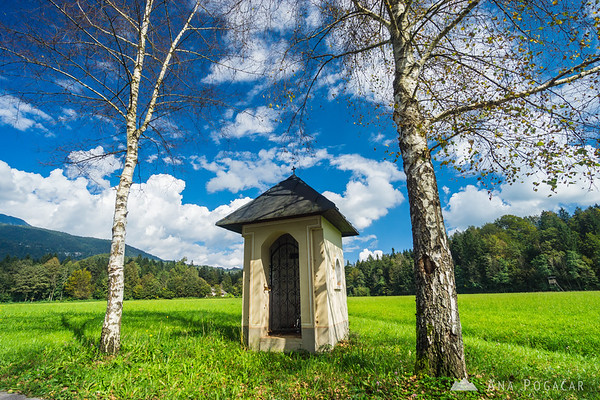 Biking around Kamnik through villages and across fields - this is the village of Glinje