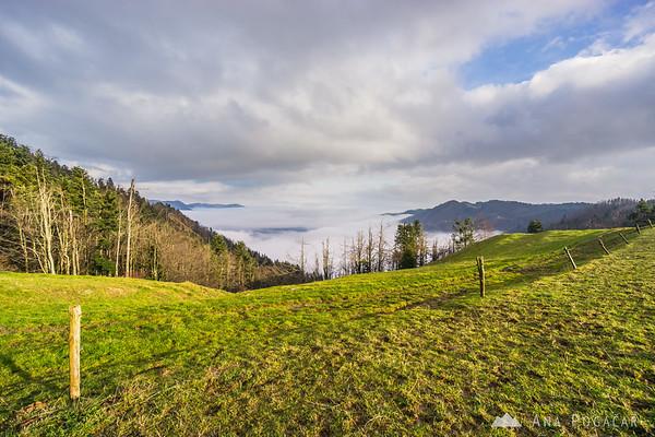 Above the fog in Vojsko