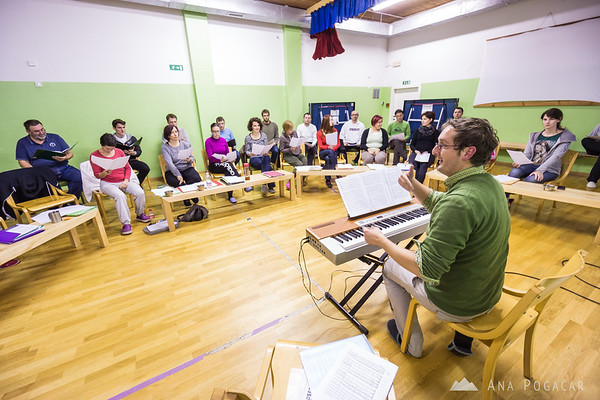 Our choir Cantemus at the vocal technique workshop in Vojsko led by Sebastjan Vrhovnik