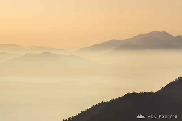 Late afternoon smog in the valley