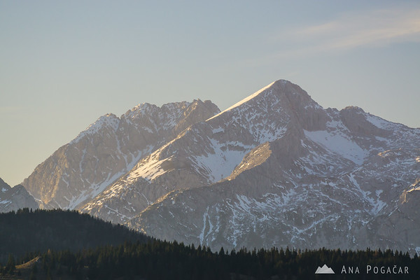 Mt. Grintovec (and Kočna in the background) from Kašna planina