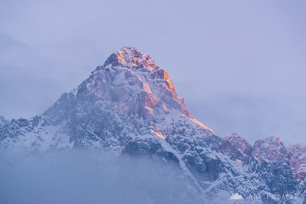 Last sun rays on Mt. Razor as seen from Lake Jasna