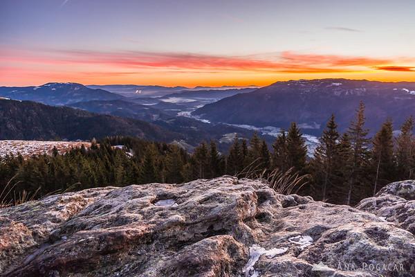 Before the sunrise on Kranjska Reber - looking at the Dreta valley