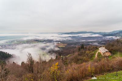 Foggy sunrise from Šmarjetna gora - Nov 21, 2014
