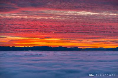 Sunset over fog from Špica - Nov 20, 2014
