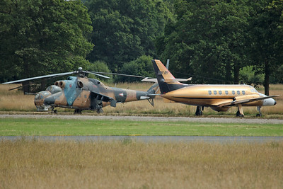 '335' Mi-24D and Jetstream T3 N437TH 'Take Off' (ex Royal Navy  ZE441)