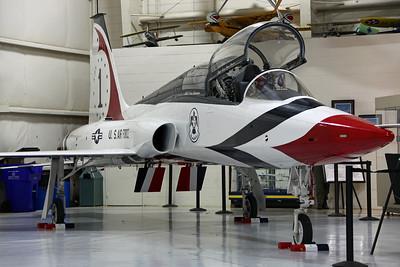 64-13292 AT-38B USAF (Painted as 'Thunderbirds' #1)