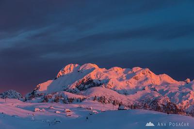 Sunset, night and sunrise on Velika planina - Feb 14-15, 2014