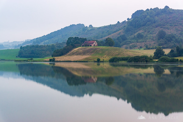 Pernica Lake on a grey, cloudy morning