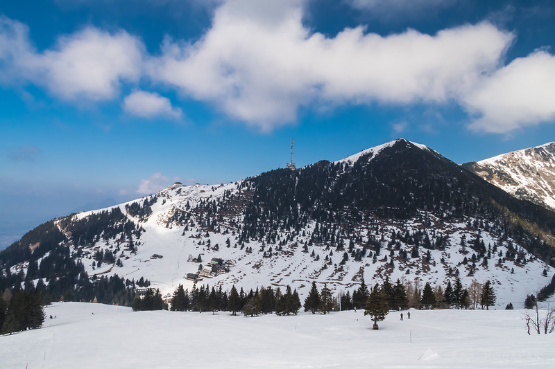 Skiing on Krvavec on a sunny March day