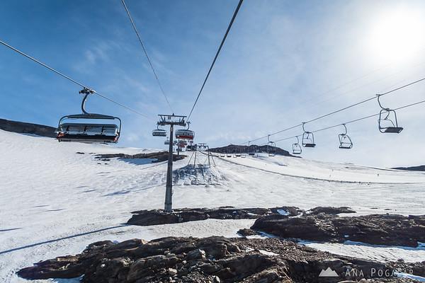 Skiing on the Mölltal glacier in August!