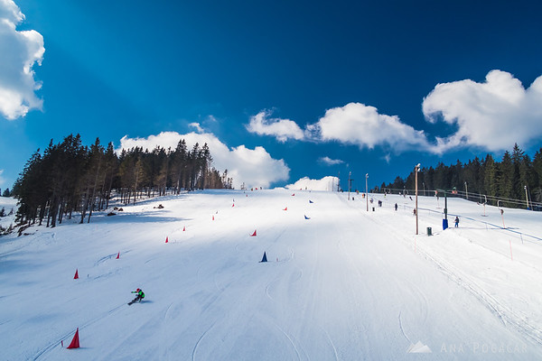 Skiing on the sunny slopes of Rogla