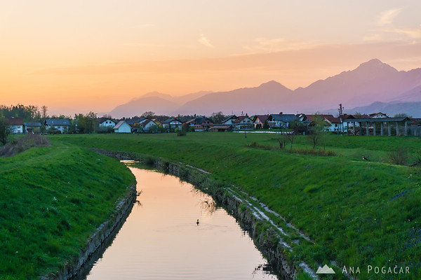 Pšata creek near Topole at sunset